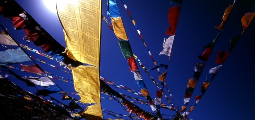 02-25-58-Blue_sky_prayer_flags_TIBET